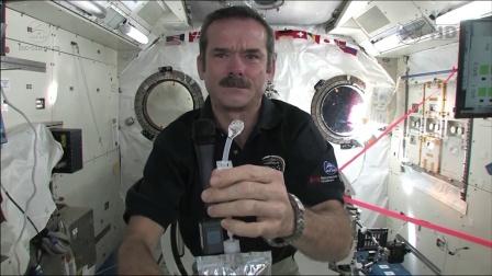 挑战吧!太空 第一季 在线解答!原来航天员在太空这样洗手