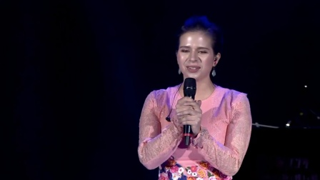 天使丽娜演唱俄罗斯著名歌曲《喀秋莎》,中文天赋爆表讲述很高兴来到中国