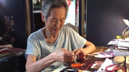 """81岁老奶奶的""""少女心"""":做手工制品只送不卖"""