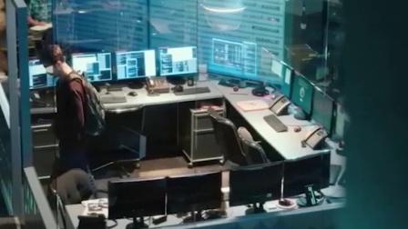电影中的魔方片段:《斯诺登》