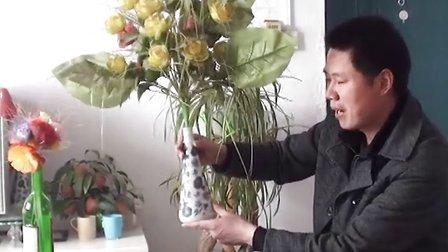 【拍客】废弃酒瓶变花瓶节能环保