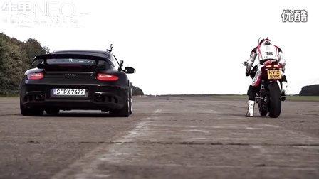摩托车之家 时速超过200英里每小时 保时捷GT2 RS vs 杜卡迪1199