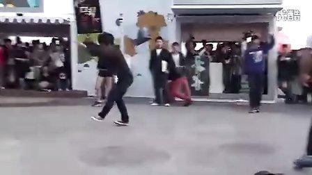 广场街舞加跆拳道,完美结合