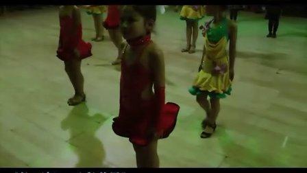 平定体育舞蹈协会贺新年联欢舞会---少儿团体拉丁舞《五彩世界》