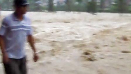 2012年8月3日长兴岛暴雨实拍
