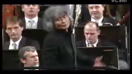 2002年维也纳新年音乐会,指挥:小泽征尔