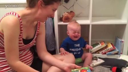 萌宝宝看书视频 不给我看我就哭