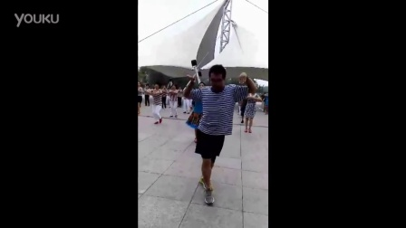 长治妖娆哥狂秀广场舞,完胜广场大妈!