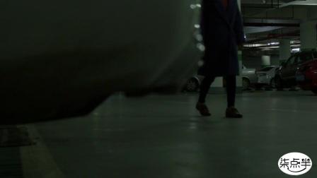 女孩在地下停车场被人跟踪,最后发生的一幕让人气愤