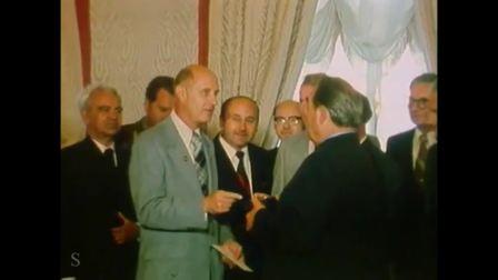 """1975年勃列日涅夫会见""""联盟""""和""""阿波罗""""号飞行乘组宇航员"""