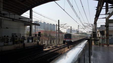 比利《上海地铁1号线》122 DC-01B老老八104号车莘庄上行进站&AC-01C老八117号车下行进站