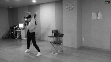 【短拍】金请夏(CHUNGHA) - WEEK 舞蹈影像
