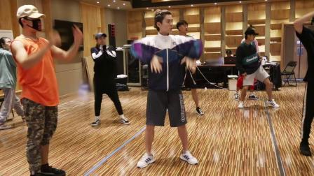 鹿晗二巡排练花絮《PRE:X》02