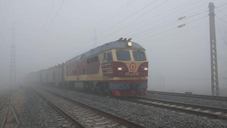 客车K8409(淮北-黄山)闸河站一道通过   调度命令76304 闸河至符离集站间天气恶劣 按技规第338条行车