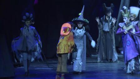 家庭音乐剧《素敵小魔女》中文版保利盛大首演