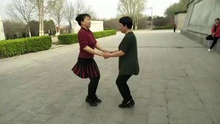 鹤壁淇畔吉特巴水兵舞第一套刘朋组合(晨练)