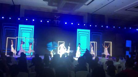 2019最新创意开场舞蹈《时空之门》,武汉创星梦演艺:13517279313