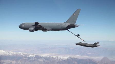 爱德华兹空军基地KC-46加油机和F-35战机完成空中加油测试