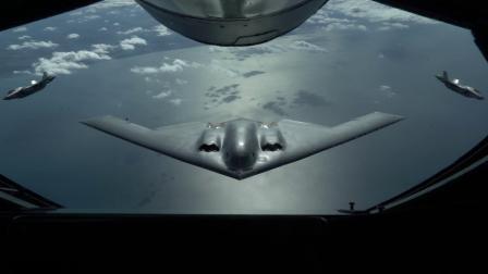B-2轰炸机首次与英国皇家空军F-35战机编队飞行