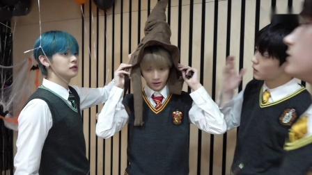 [T:TIME] Play with Hogwarts Sorting hat and Helium balloons - TXT