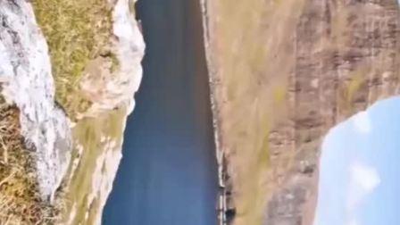 离天空最近的苏格兰天空岛,电影《亚瑟王》取景地。如果可以走遍世界,你最想看什么样的风景?请留言告诉我。^_^