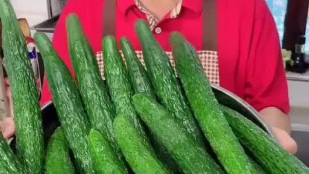 开胃酱黄瓜做法,闷热的夏天,腌制一些脆嫩爽口,酱香浓郁的黄瓜,特别美味开胃