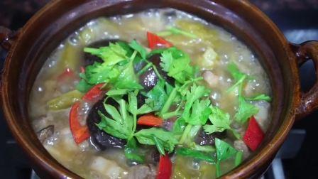 苦瓜肚肉煲,潮汕人夏季爱吃的家常菜,开胃下饭。
