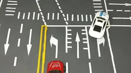 左转车道掉头用看红绿灯吗?