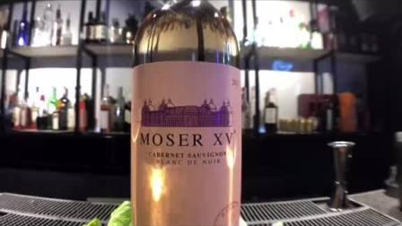 众所周知,赤霞珠本来是酿造干红的红葡萄品种,而张裕摩塞尔十五世酒庄却酿造出了赤霞珠干白,黑科技满满