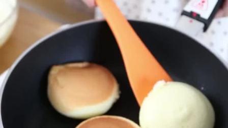 用一口平底锅就能轻松搞定的甜点——舒芙蕾,一次奉上三个网红口味。