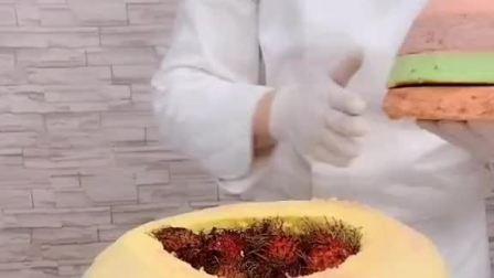 全网最大的红毛丹夹心香梨翻糖蛋糕😎
