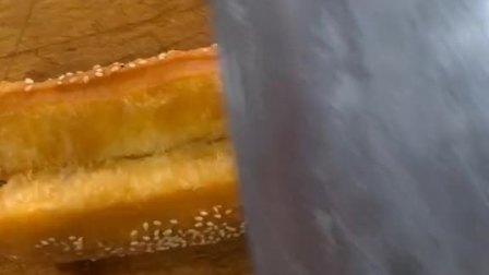 香酥油条的奥秘,视频最后截屏保存,每天美食不断更新!