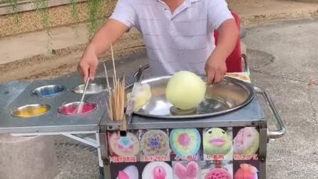 中秋佳节来了,好开心啊。有月饼吃,又有棉花糖吃啦。