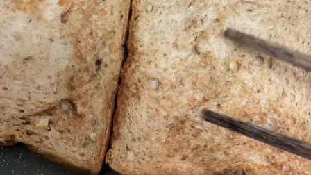 减肥想吃饼干可以用全麦面包代替、想吃零食可以做海苔、牛肉干,减肥成功了厨艺也增长不少😂