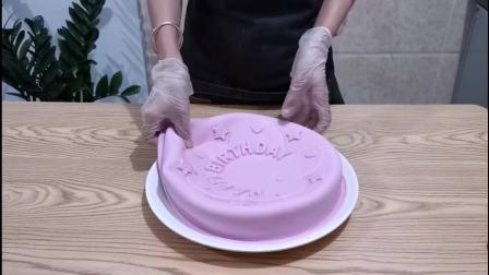 刚录好这款生日蛋糕马蹄糕,喜欢的人多的话我熬夜也给大家在这两天编辑出教程