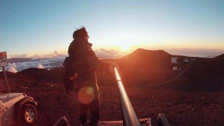 美国 夏威夷 大岛 Mauna Kea 火山 黄金的晚霞 卷起的层层云海
