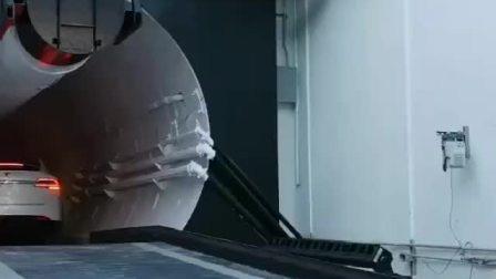 近日,马斯克的公司首条隧道在开通。他本人坐着特斯拉在地下飞驰,时速高达240KM/h,非常具有科幻感。
