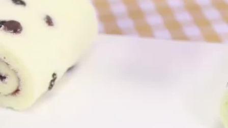 安利一款超棒的蛋糕卷,松软又细腻,奶油夹心换成了蓝莓酱