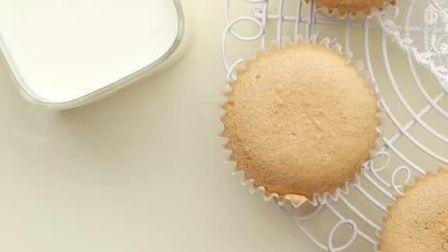 新手入门必学纸杯蛋糕,不塌不裂~#抖音美食制作人#烘焙