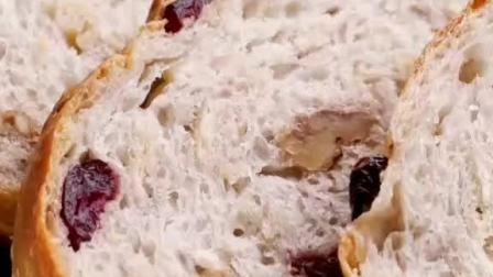其实面包店里的软欧包,自己在家做很简单,松软一大个!#美食趣胃计划#趣胃大比拼#欧包