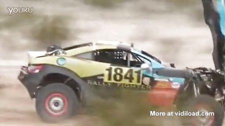 沙漠赛车精彩前空翻