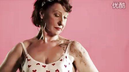 性感MV:俺们女人有力量 老奶奶也能玩性感