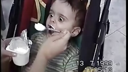 【时光】史上最搞笑的饥饿宝宝!小宝贝,你难道是饿死鬼投胎吗?