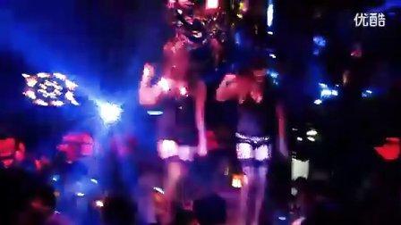 酒吧美女激情热舞