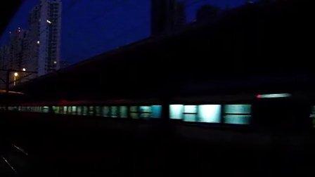T183快速通过塘沽站