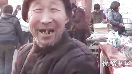 【拍客】留守儿呼唤在上海打工的父母回家过年