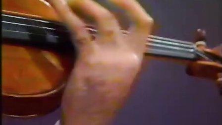 西贝柳斯《d小调小提琴协奏曲》(Op.47)莱昂尼达斯.卡瓦科斯演奏 朱卡.佩卡.萨拉斯特指挥