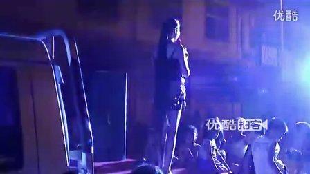 [拍客]2012达沃斯--长发女立志演唱实现青春梦想
