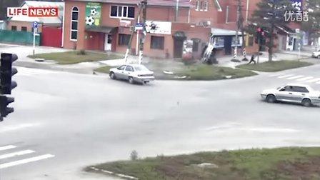 俄国司机你们又卖萌了……最新车祸视频集锦