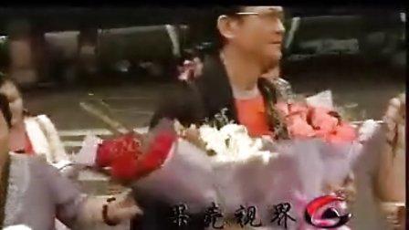 "3G直播 郑少秋抵达济南,受到粉丝的热烈欢迎。今晚强力加盟山东卫视""中秋晚会"""